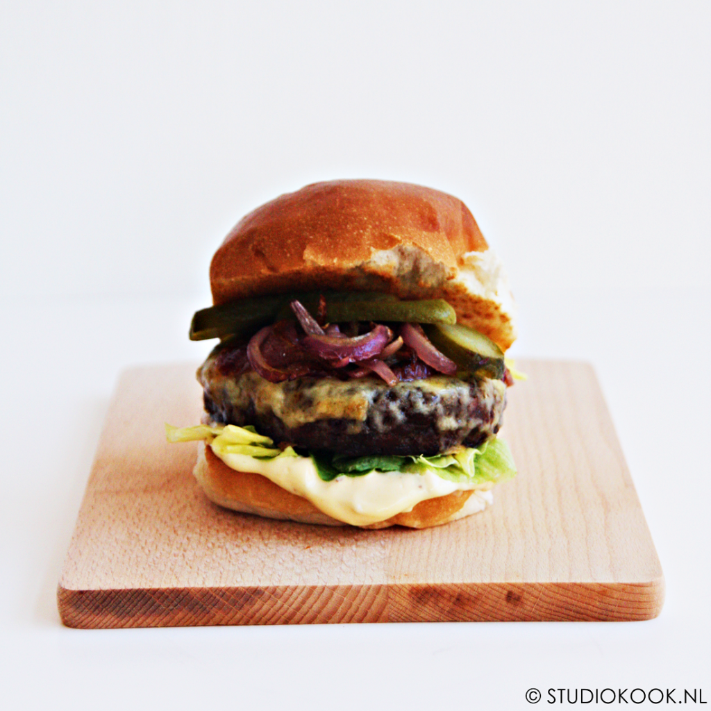 cheeseburger met mosterdmayo
