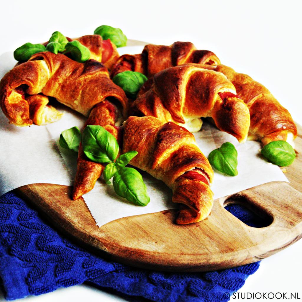 gevulde croissantjes