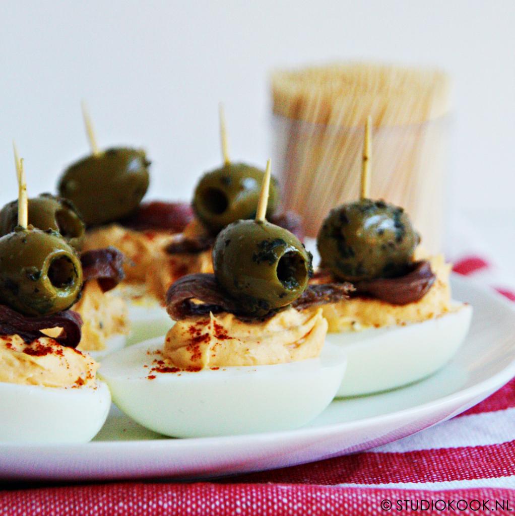 gevulde eieren met olijf en ansjovis