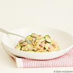 Makkelijke pasta met roomsaus, courgette en ham
