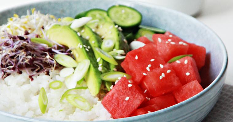 Poké bowl met watermeloen