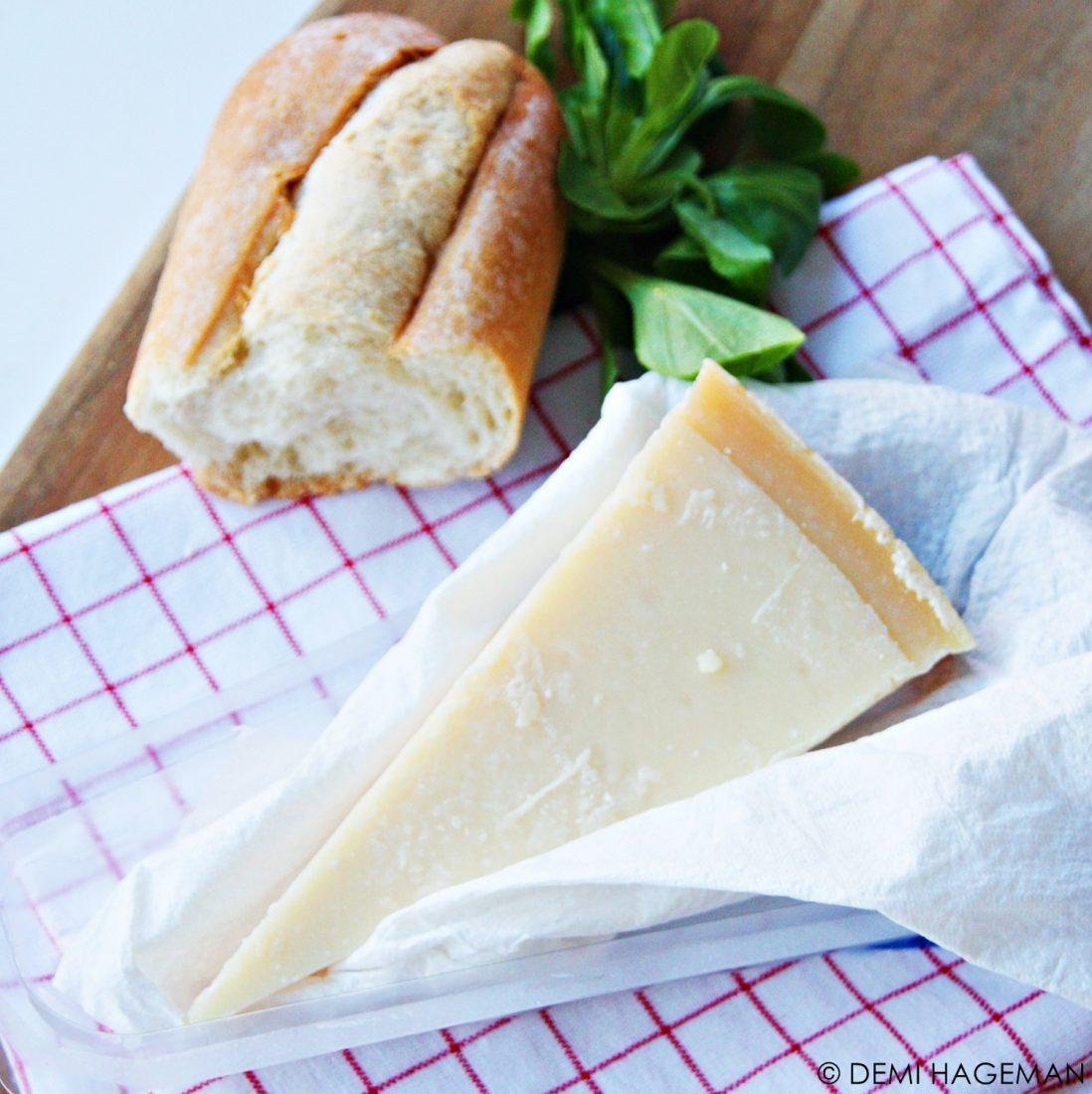 zo houd je parmezaanse kaas langer vers