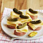 Hollandse spiesjes met kaas en worst