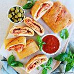 Stromboli met salami - Italiaans opgerold pizzabrood