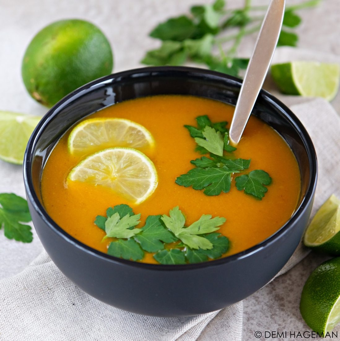 wortelsoep met limoen en koriander